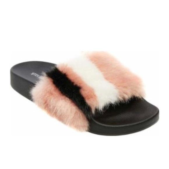 fc58be14ea6 ✨NWOT ✨ Steve Madden Faux Fur Slides